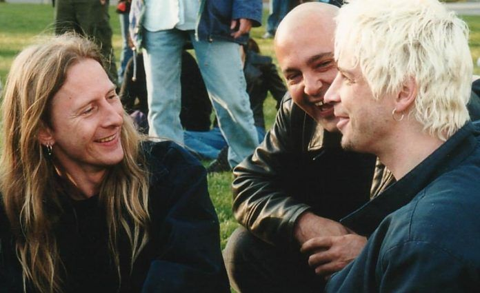 "Jerry Cantrell Reveals Touching Chris Cornell & Layne Staley Similarities  Alice In Chains' Jerry Cantrell has told Rolling Stone magazine that Chris Cornell was ""the last guy in the world I thought that would happen to,"" referring to Cornell's death. ""That's not the way that book was supposed to end. And it was not the way that book was going."" Cantrell, whose band lost its   The post  Jerry Cantrell Reveals Touching Chris Cornell & Layne Staley Similarities  appeared first on  Alt.."