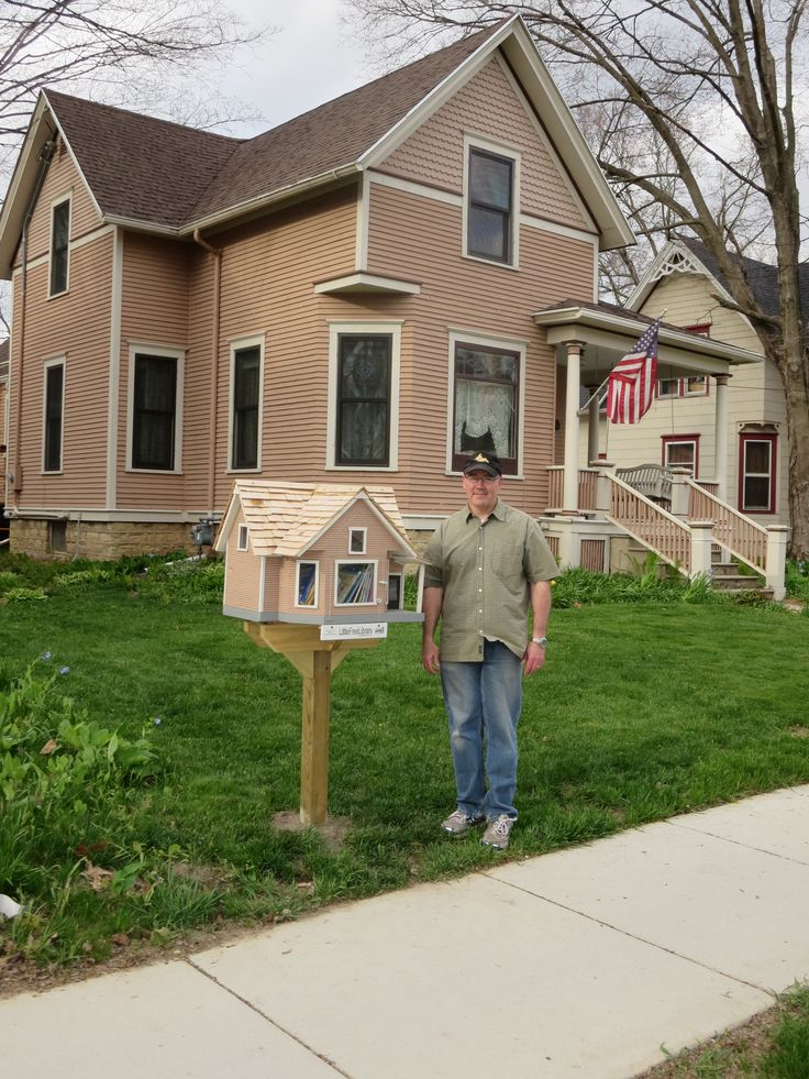 Deb Fritz. Evansville, WI. Scott Brummond built nine Little Free Libraries in the city of Evansville. This LFL is special, because it is in front of his own house, and...it looks just like his house! This Little Free Library is visited frequently, because Scott's wife, Nancy, is a second grade teacher at Levi Leonard Elementary School in Evansville. A big thank you goes out to Scott for his ongoing contribution to literacy in the community.