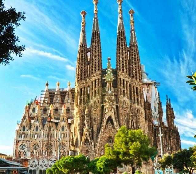 El Tour que no te debes perder: La Sagrada Familia en #Barcelona