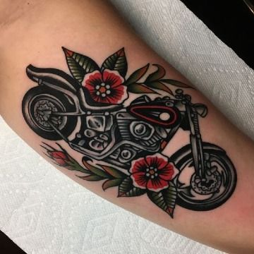 Imagenes de tatuajes de motos con 3 rasgos tradicionales