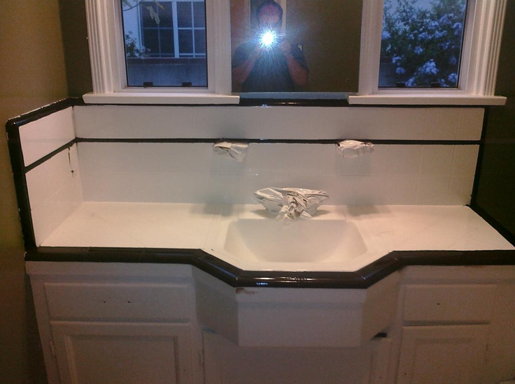PKB Reglazing : Tile Bathroom Countertop Reglazed White With Black Trim