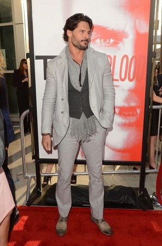 Photos from the season five premiere of True Blood. Joe Mangiello has style!