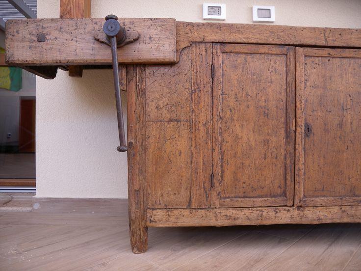 A close up to this unique carpenter furniture