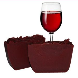 Making Cold Process Wine Soap (Fake color) http://www.naturesgardencandles.com/blog/making-cold-process-wine-soap/