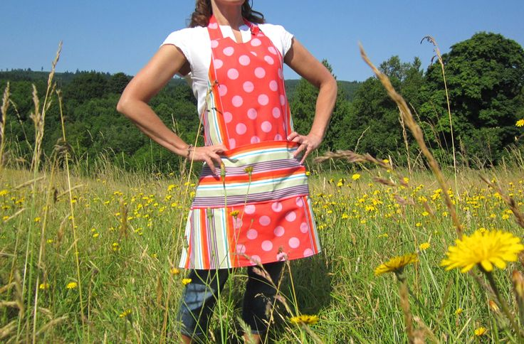 Weekend Wonders with Fabric.com: Reversible Summer Apron | Sew4Home: Reversible Aprons, Revere Summer, Reverse Summer, Revere Aprons, Summer Aprons, Aprons Avental, 4 Aprons, Aprons Diy, Aprons Aprons