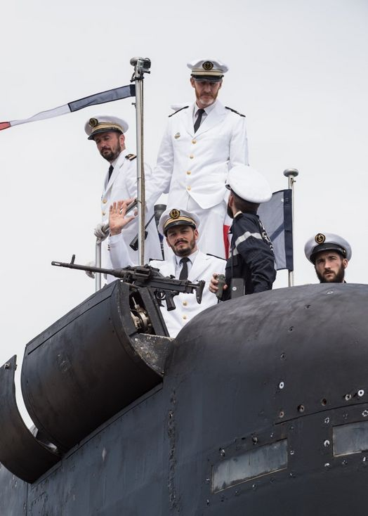 "Crew of the ""Améthyste"" (french nuclear attack submarine) when back to Toulon (southern France) after a 5 months patrol in the Indian Ocean."