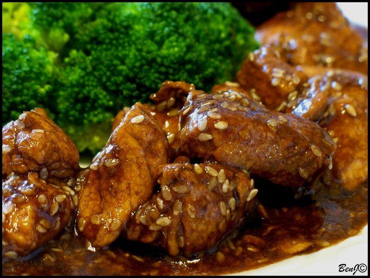 Ďalšie obľúbené recepty: Tip na nedeľný obed: Kuracie prsia v sezame a Tvarohový mrežovník Kuracie kocky so sezamom Pikantné kuracie prsia v medovo-chilli omáčke Kuracie prsia v chilli medovej marináde Kuracie prsia s mandľami a mrkvou Tip na nedeľný obed: Indické kuracie prsia s kukusom a Kokosovo-čokoládové rezy Tip na nedeľný obed | Zeleninová polievka  …  Continue reading →