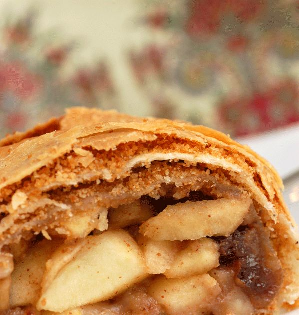 "Sugar & Spice by Celeste: Authentic Austrian Apple Strudel (""Apfelstrudel"")"
