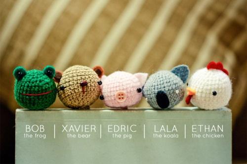 amigurumi bookmarks: Crochet Ideas, Amigurumi Animal, Amigurumi Bookmarks, Crochet Ball, Crochet Bookmarks Pigs, Bookmarks Animal, Crochet Knits, Beginnings Crochet, Animal Series