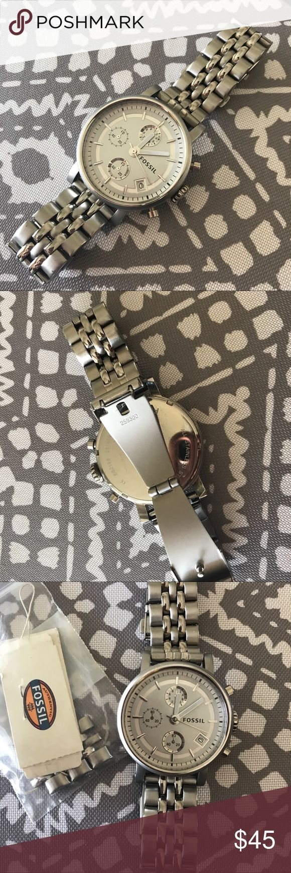 Women's Fossil Watch In great condition. Only worn a few times. Needs a new battery. I do not have the original packaging. Fossil Accessories Watches