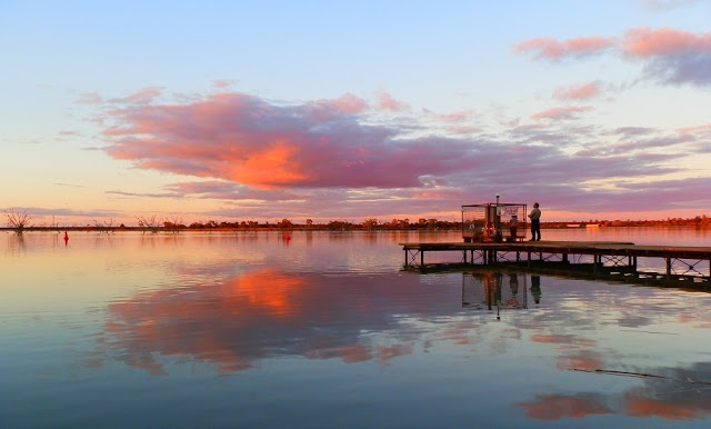 What's NOT to love about Lake Cullulleraine?  #Australia's mallee country ROCKS!