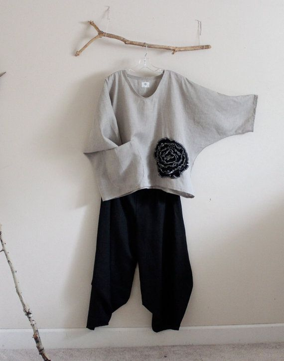 black flower natural linen top over size by annyschooecoclothing