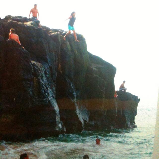 Jumping off a cliff at Waimea Beach in Ohau, HI!  It was scary, but really fun!!Hawaii A K A, Yeah I M, Travel Adventure, Aloha Hawaii, Hawaii California Trips, Waimea Beach, Hawaii 2014