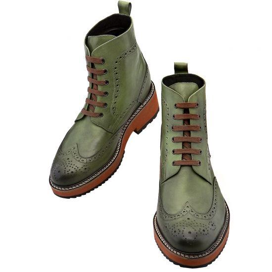 Stivali rialzati fatti a mano disponibili con rialzo da 10 - 11 e 12,5 centimetri.  Acquistabili su: http://www.guidomaggi.it/