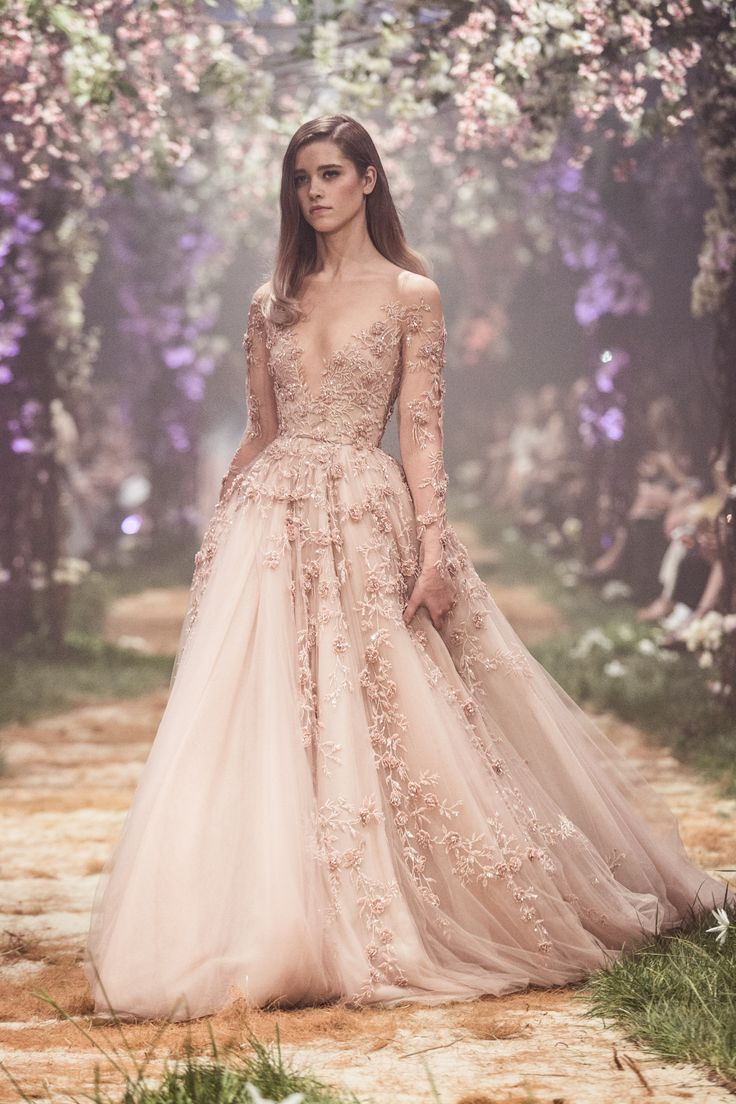 PSS/S1819 – Tulle ball gown with 3D floral embroidery
