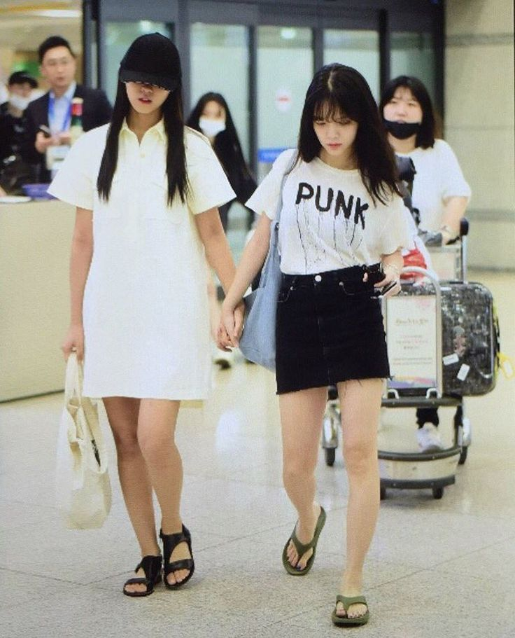 AOA - Kim SeolHyun 김설현 & Shin JiMin 신지민 commute at Incheon airport 170720 인천공항 ICN  #설현 #설현이 #설현아리 #떠려니 #지민 #지민엘