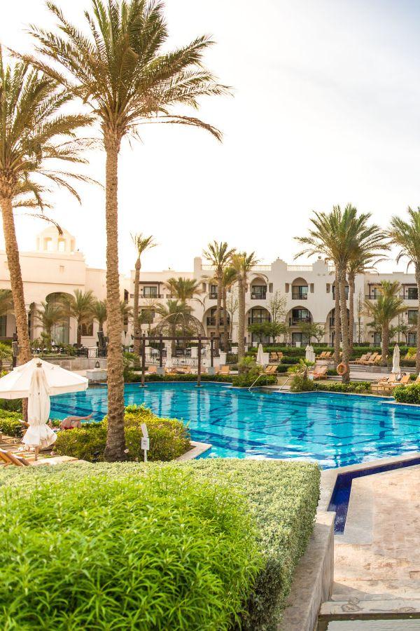 Urlaub in Ägypten 💛 Urlaub in Marsa Alam / Port Ghalib. Urlaub am Strand. Luxus Hotel The Palace Port Ghalib ein RED SEA HOTEL direkt am Strand. Entspannte Atmosphäre. Red Sea Spa. Ideal zum Schnorcheln! Das Luxusresort liegt direkt an einer Salzwasserlagune. Nur eiin paar Minuten zu Fuß ist die Marina entfernt.