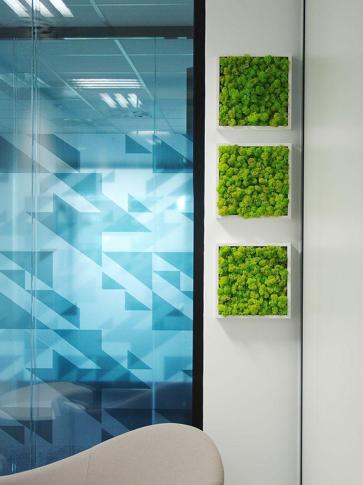 Tableaux de lichen. Agencement végétal, végétaux stabilisés, mur végétal, mousse stabilisée. Réalisation Adventive. Interior plant Designer