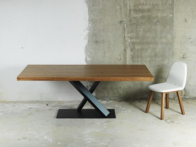 'FLY' dining table