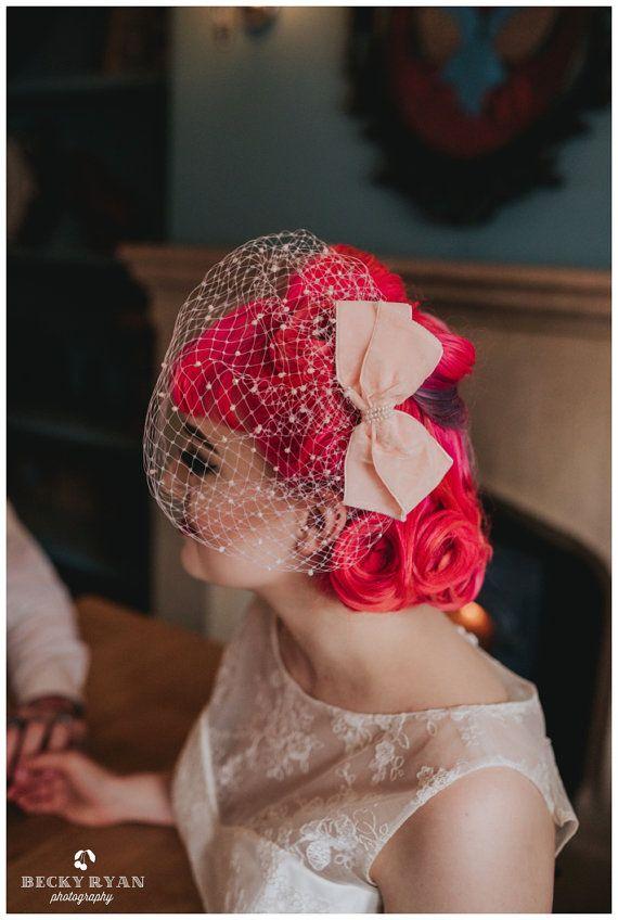 De Audrey  hand beaded vogelkooi bruids sluier met door PinUpCurl