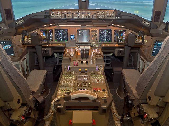 777-300 ER Simulator