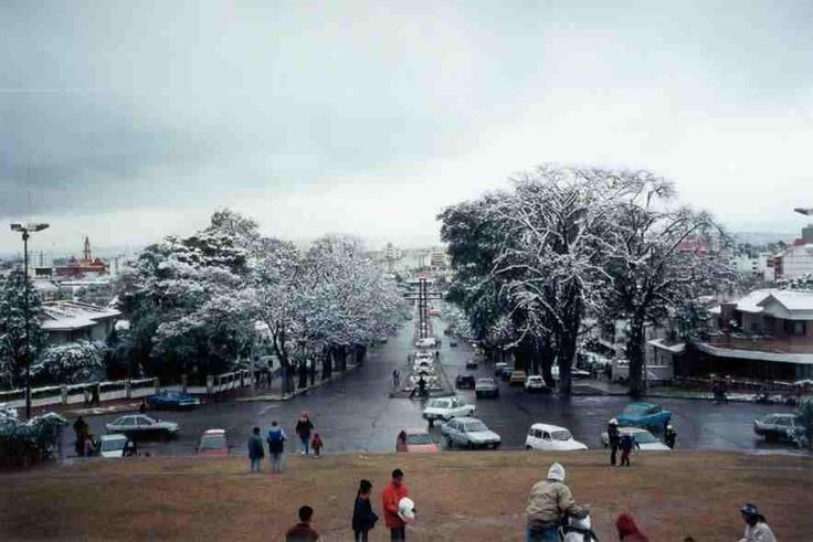 Salta cuando nevó!!vista desde el monumento a Güemes.