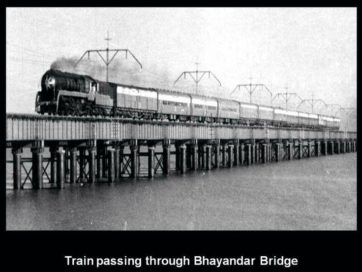 Train passing on Bhyander bridge
