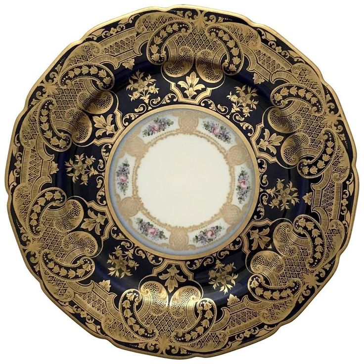 Set of 12 Cobalt and Gilt Limoges Dinner Plates in Arabesque Design, circa 1900 | From a unique collection of antique and modern dinner plates at https://www.1stdibs.com/furniture/dining-entertaining/dinner-plates/