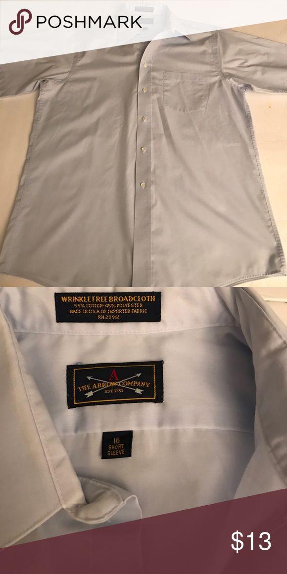 The Arrow Company Shirt The Arrow Company light blue short sleeve button button shirt. Excellent condition! Size Medium Shirts Casual Button Down Shirts