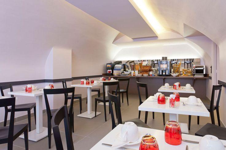 L'Abbate Italia: Hotels Libertel - Paris. Livia chair.