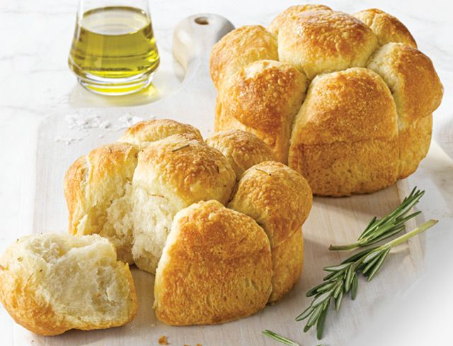 Bake Your Own™ Rosemary Focaccia Pull-Apart: Can bread be sophisticated and fun? We think so. Replace the middle of this bread with your favourite dip for a trendy appetizer, or simply warm and serve with dinner. No matter how you serve this bread, its unique boutique shape, moist interior and delectable aroma of earthy rosemary will be a real conversation piece.