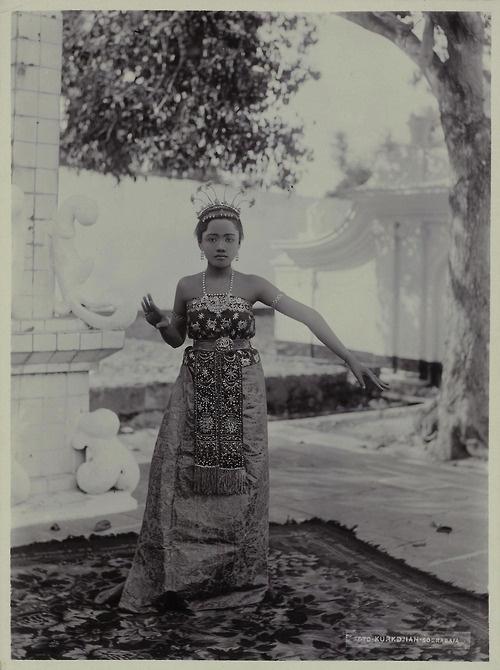 Madurese Dancer, by Onnes Kurkdjian, circa 1885