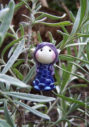 Little Lavender Fairy glassbead van Glaskralen op Etsy