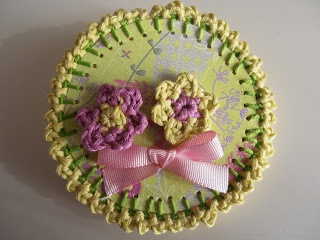 CROCHET FLOWERS BROOCHE