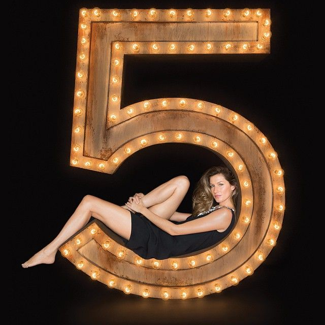 CHANEL GIRL: Teaser of Gisele Bundchen's Chanel No. 5 Campaign.