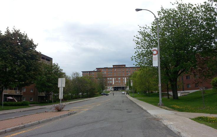 Hôpital Laval et la rue Arthur-Rousseau (collection de l'auteur, 2014)