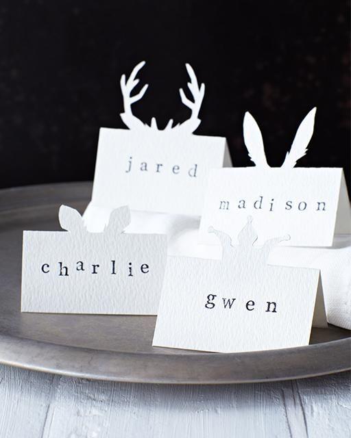 Porte nom - Décoration de Noël DIY - Tutorial via Sweet Paul Blog - PRO avec vous #DIY #Noel