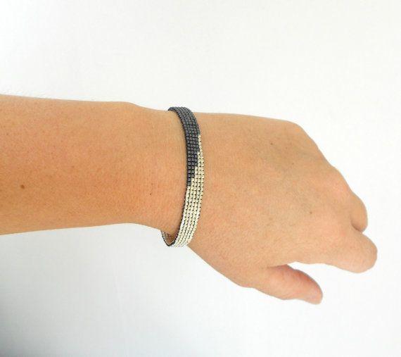 Bracelet tissé woven peyote perles miyuki noir et par Alittlecrea
