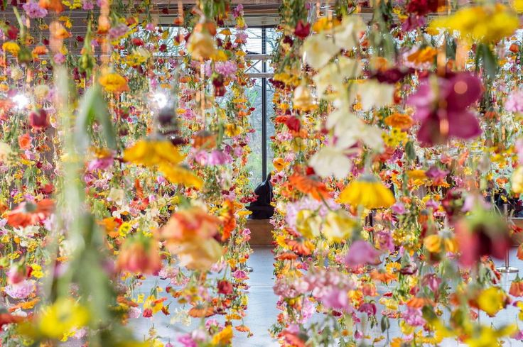 Rebecca Louise Law is an East-London based installation artist, known for her impressive transformation of spaces using thousands of flowers and other materials collected in the nature.