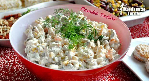 Yoğurtlu Tavuk Salatası Tarifi nasıl yapılır? Yoğurtlu Tavuk Salatası Tarifi'nin malzemeleri, resimli anlatımı ve yapılışı için tıklayın. Yazar: Pembe Tatlar