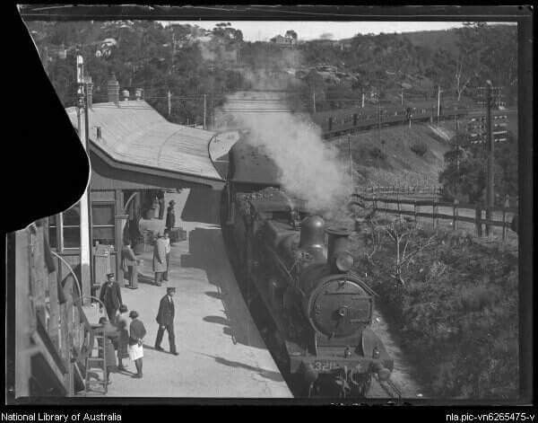 Valley Heights Railway Station in the Blue Mountains in 1932.Photo from National Library of Australia.A♥W