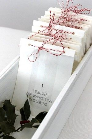 Adventskalender für Erwachsene. Romantischer Adventskalender zum Selbermachen. Noch mehr tolle Adventskalender gibt es auf www.Spaaz.de