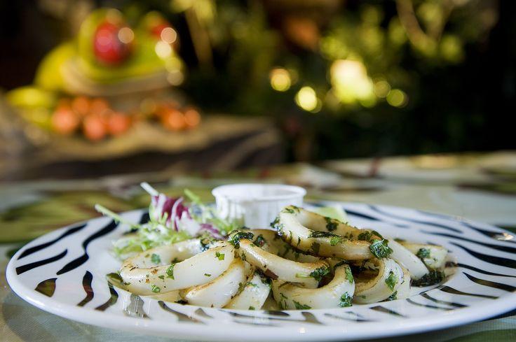 Coastal Calamari: non-battered calamari rings marinated in fresh chilli, ginger & coriander... er yes please!