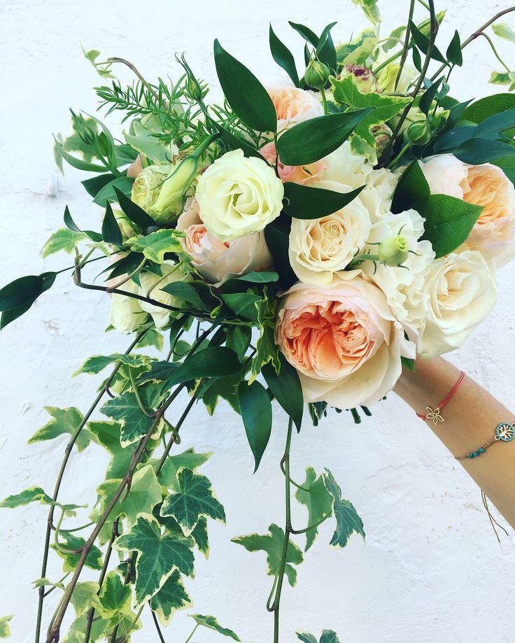 "30 Me gusta, 2 comentarios - Floral designer & Retail Shop (@floristeriabrisa) en Instagram: ""Have a wonderful life Matt&Kim 21.10.2017 #weddingtime #sitgeswedding #barcelonawedding…"""