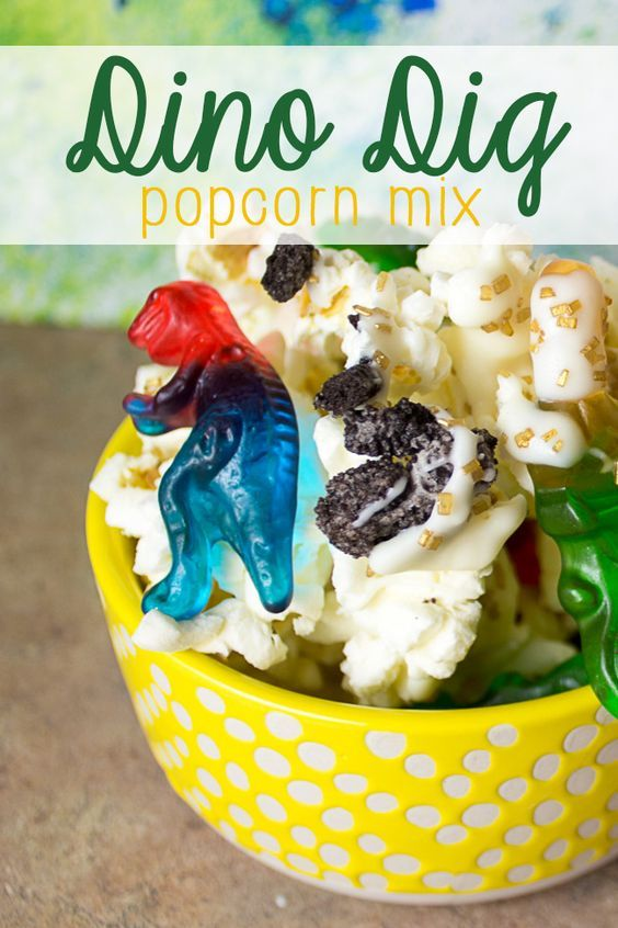 Want to shake up your movie night snack? This dino dig popcorn made with @popsecret is a hit for any kids' movie, but it's especially perfect when watching dinosaur favorites like the Land Before Time! Or, make this awesome popcorn mix for your next dinosaur party! Also-- check out the post for a great dinosaur print craft! #Pop4LandB4time #Pmedia #ad | dinosaur | dinosaur DIY | dinosaur food | kid-friendly snack |