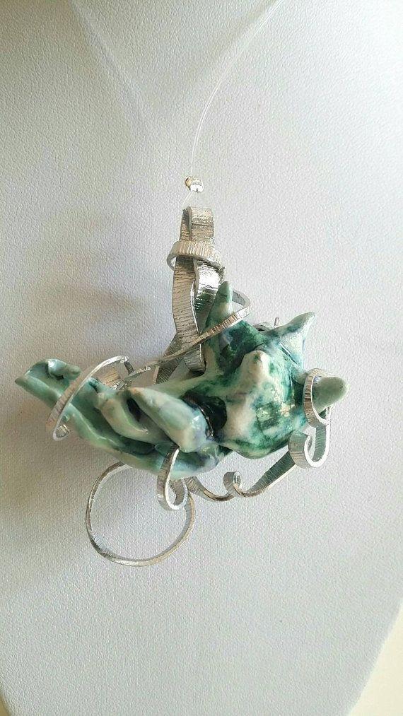 Guarda questo articolo nel mio negozio Etsy https://www.etsy.com/listing/290836231/necklace-pendant-ceramic-shell-metal