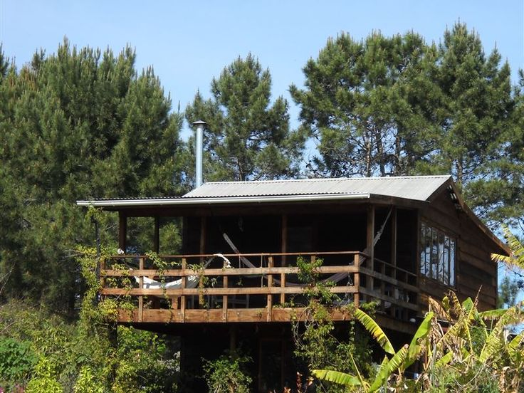 Beautiful Cabin in the Forest - This is a charming self-catering cabin nestled on an organic vegetable farm, surrounded by fynbos and forest.  It is situated in Plettenberg Bay and with beautiful views of the Tsitsikamma Mountains.The ... #weekendgetaways #plettenbergbay #southafrica