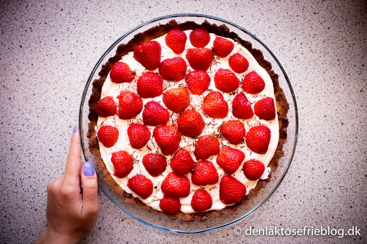 Laktosefri jordbærtærte Se opskriften her: http://denlaktosefrieblog.dk/2014/06/10/laktosefri-jordbaertaerte/  #laktosefri #laktoseintolerance #laktosefrijordbærtærte #jordbærtærte #jordbær #tærte #udenlaktose #laktoseintolerans #lactosefree #strawberrycake #laktosefrifløde #laktosefrieopskriter #denlaktosefrieblogdk #denlaktosefrieblog #lactosefree #lactoseintolerant