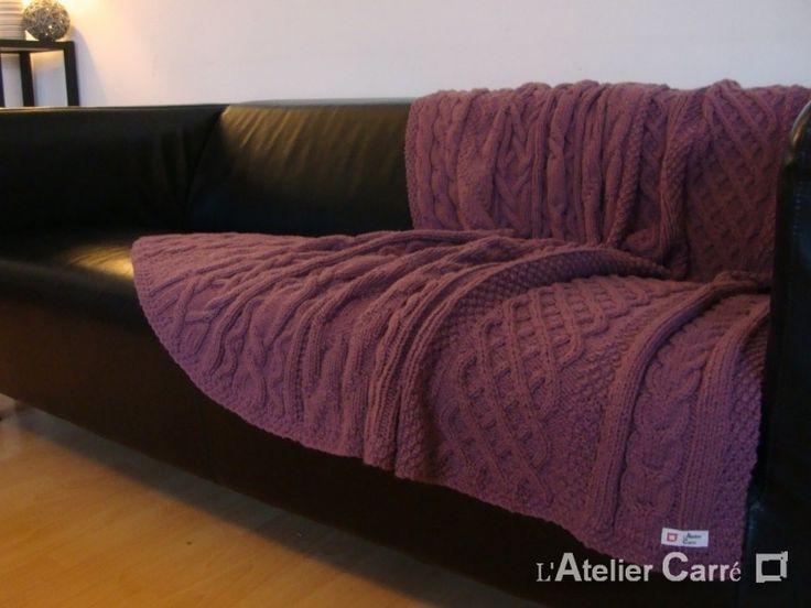 DESTOCKAGE Plaid torsadé en laine coloris prune tricoté main
