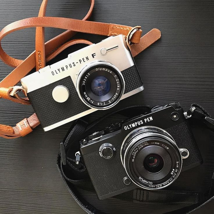 The original Olympus PEN (top) was a revolution when it came out in 1959. The half-frame technology allowed you to get twice as many shots on every roll of film. The timeless look carried on by the modern day digital PEN is accentuated by the Remmen No1 Cognac.  #remmenstraps #remmencognac #olympus #pen #olympuspen #olympuspenf #madeinsweden #vegetabletanned #christmasgift #camerastrap #LeatherStrap  Repost @gunnarolssonsfoto